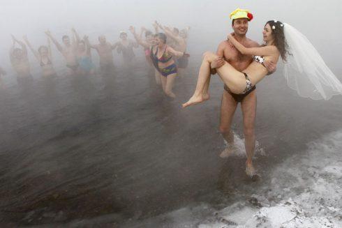 Au bord d une riviere siberienne par moins 30 degres