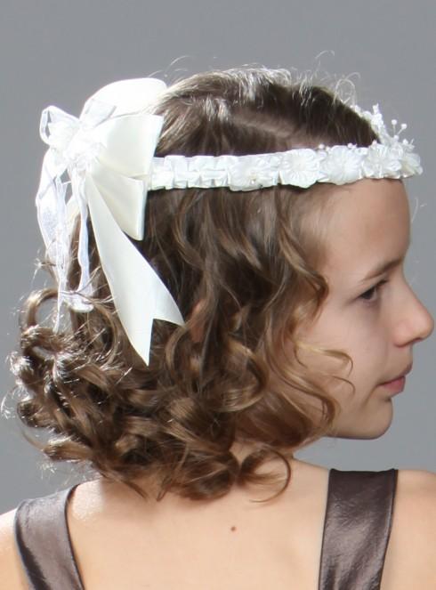 Finir une coiffure de première communion