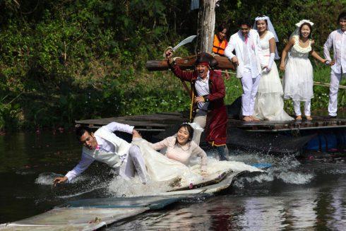 Les maries poursuivis pirate BangkokThailande