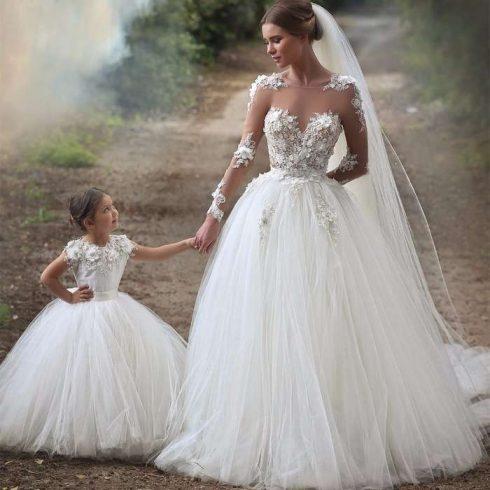 Mariée et enfant d'honneur