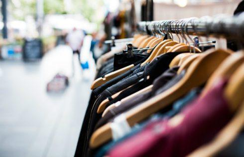Soldes-vêtements-l-630x405-l-©-Pexels-via-Pixabay-DR