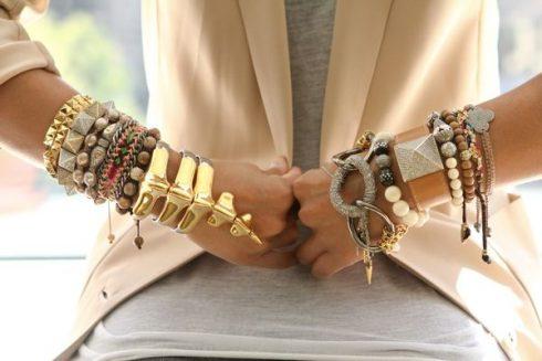 bijoux colorés dorés