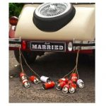boites conserves rouge voiture mariage