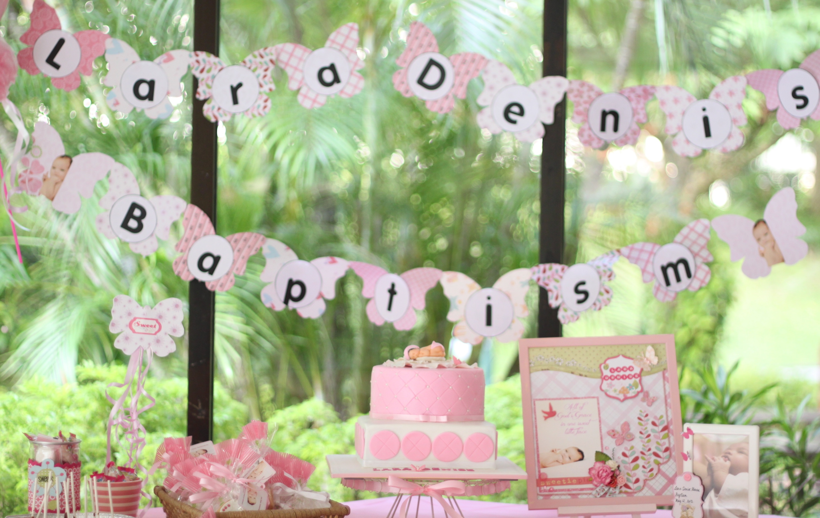 http://blog.boutique-magique.fr/wp-content/themes/BlogBM-Theme/images/christening_baptism_dessert_table.jpg