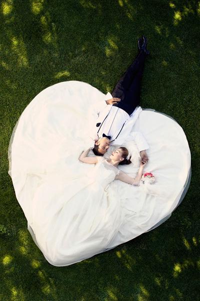 Photo couple robe mariée coeur