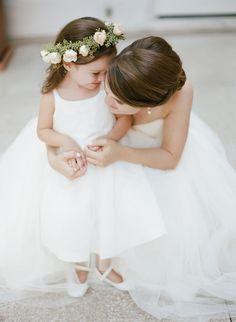 fille demoiselle d'honneur et mariée