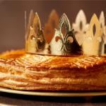 Galette des rois avec la couronne