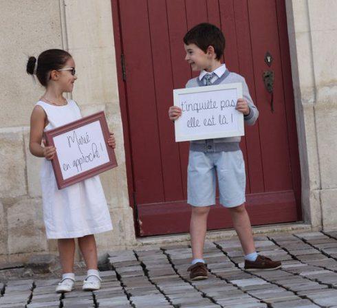 pancarte annonce de l'arrivée mariée