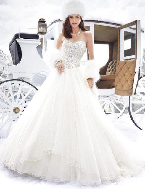 robe-de-mariee-avec-fourrure