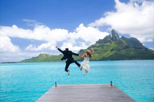 St Regis Wedding Honeymoon Bora Bora - Dream Paradise Beach Polynesian Wedding Ceremony Desktop Background