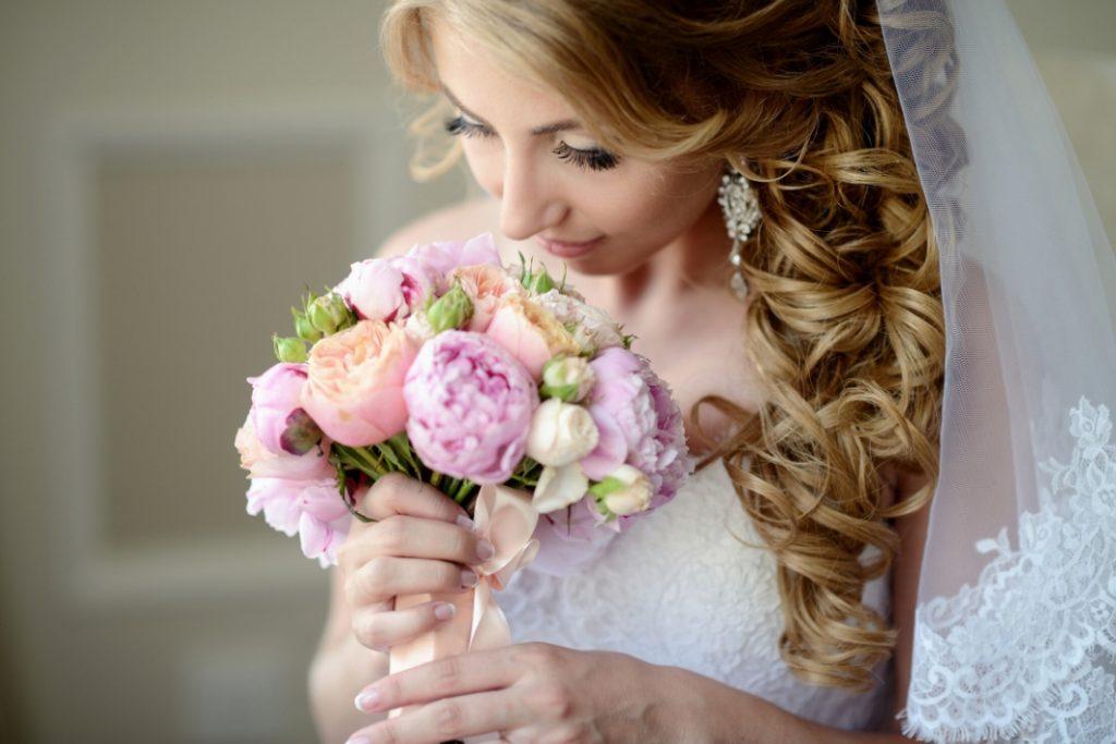 6 Coiffures De Mariage Avec Voile Blog Boutique Magique